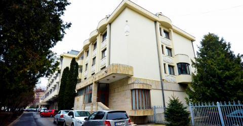 Parcare Casa de oaspeți Sfântul Nicolae